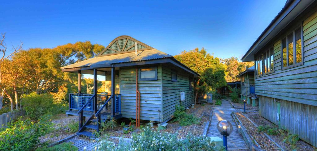 Fraser Island tour: Bungalow at Fraser Island Retreat. Photo by Fraser Island Retreat.