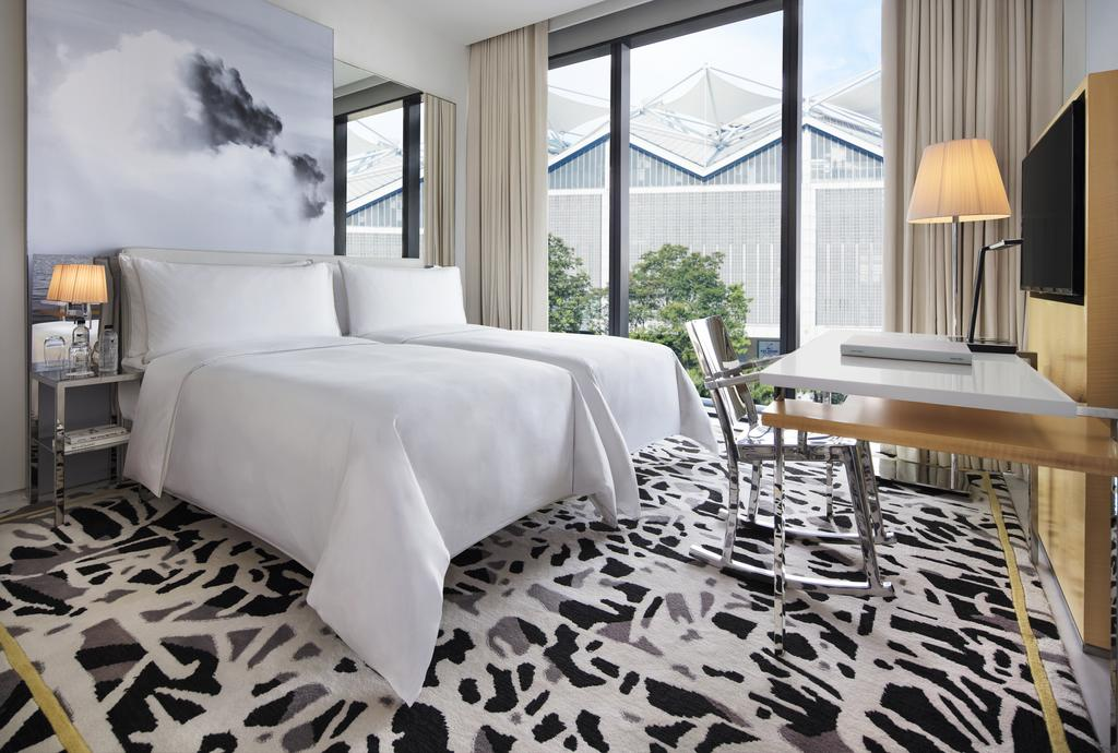 stopover in singapore: Room at the JW Marriott Hotel in Singapore's South Beach. Photo by Marriott Hotels.