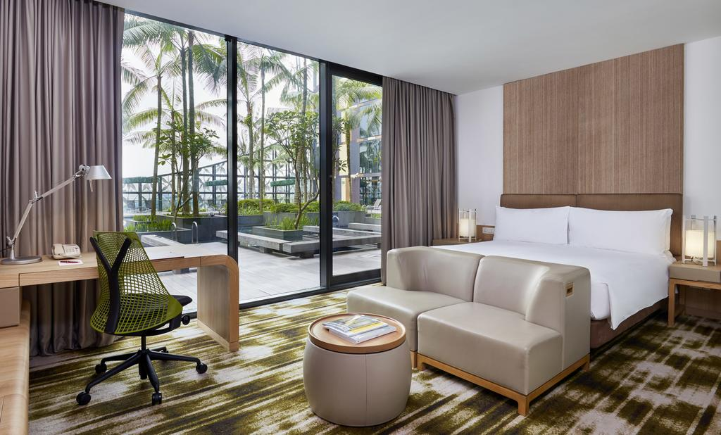 stopover in singapore: Room at the Crowne Plaza Changi Airport. Photo by Crowne Plaza.