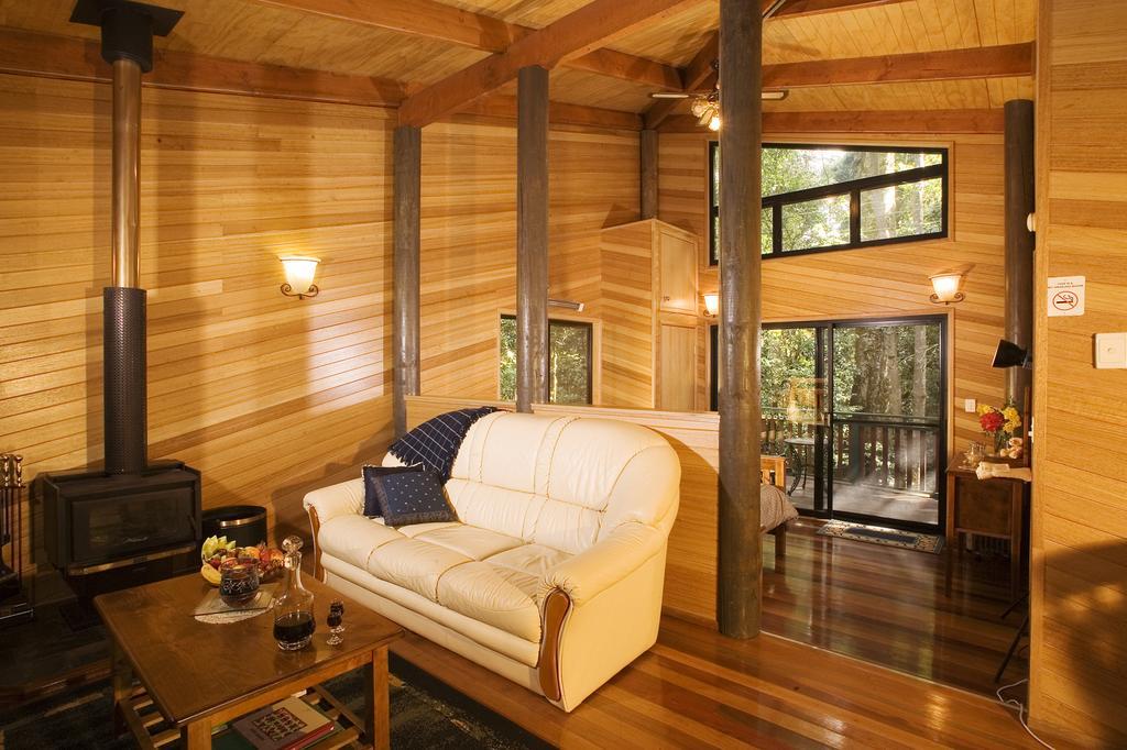 Springbrook National Park Cabin at Springbrook Lyre Lodge. Photo by Springbrook Lyre Lodge.