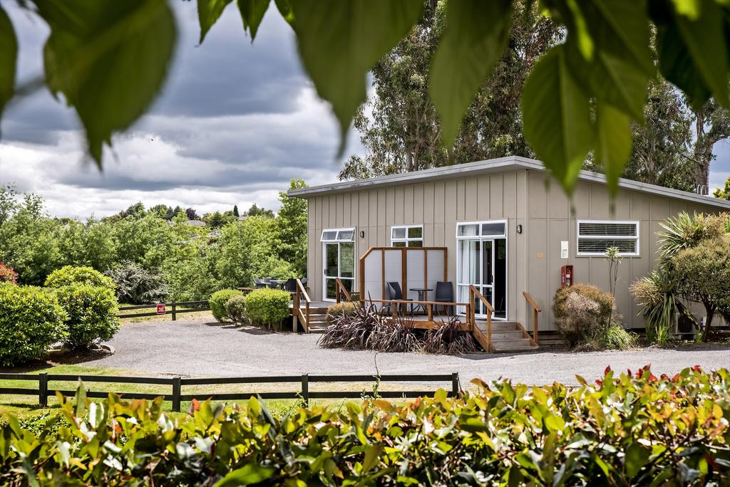 Where to stay in New Zealand. Taupo DeBretts Hot Springs Resort.