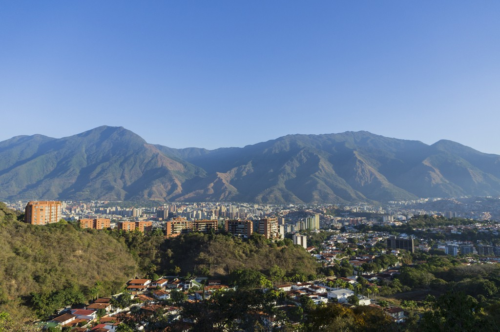 A view of Caracas and El Ávila (the mountain behind the city) early in the morning. Photo by Daniel via Flickr CC