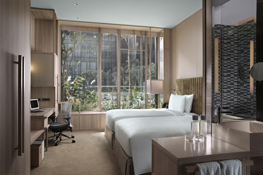 stopover in singapore: Room at Parkroyal on Pickering. Photo by Parkroyal on Pickering Hotel.