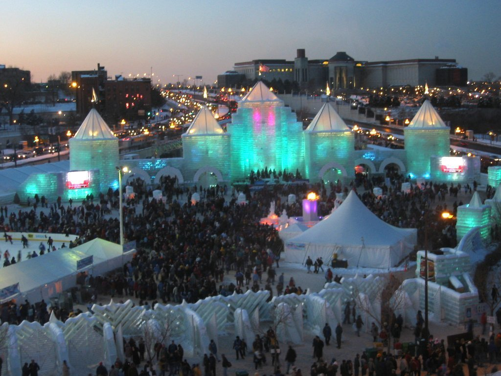 2004_Winter_Carnival_Ice_Castle_(night), things to do in St. Paul