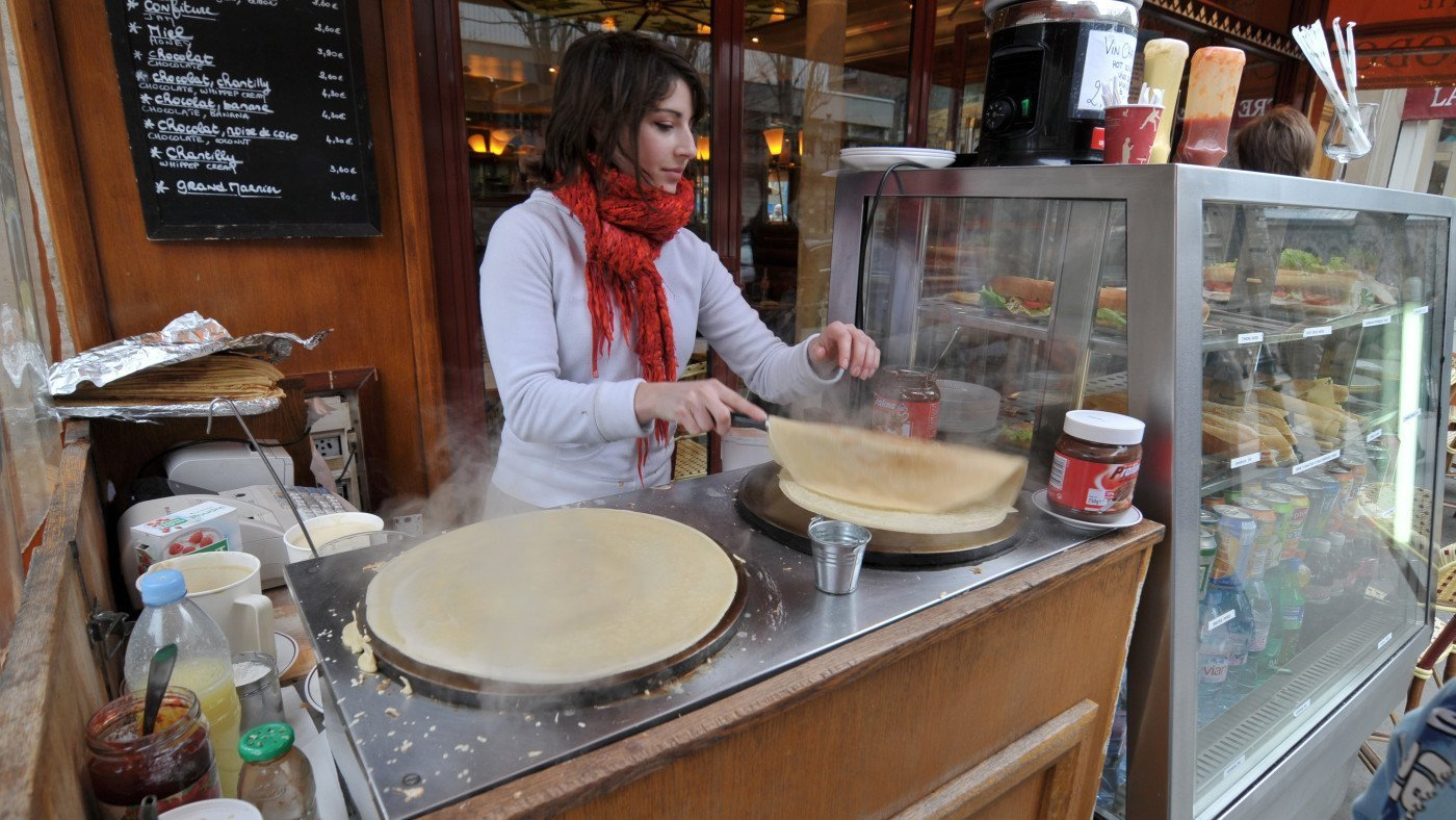 Crêpe making at Quasimodo café. Paris. France. Photo by Serge Melki via Flickr CC