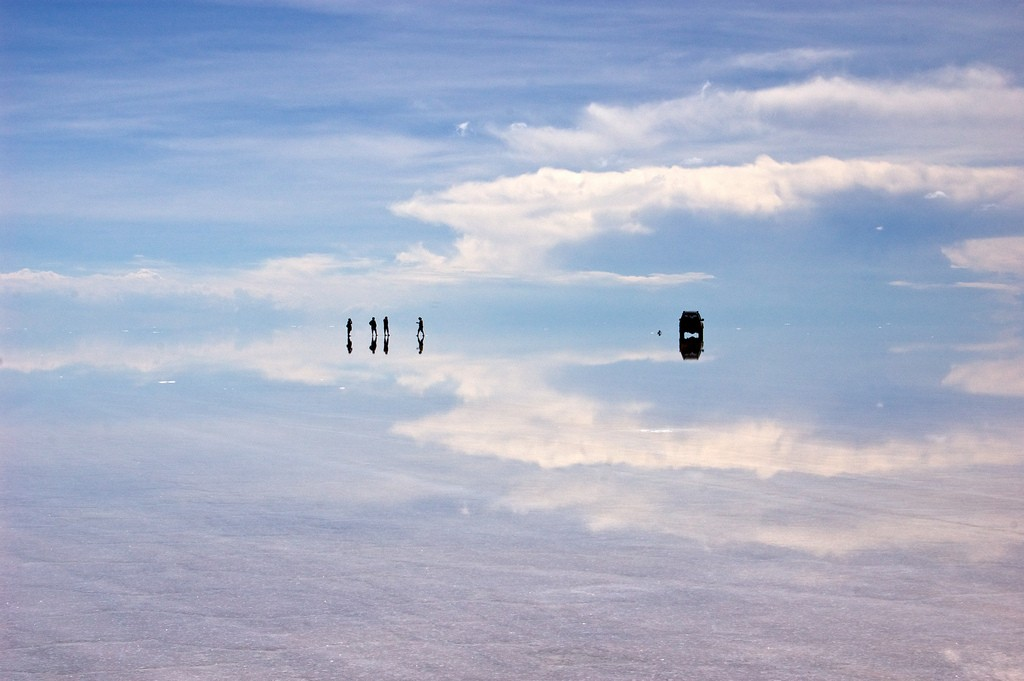 Uyuni salt lake, Bolivia. Photo by Santiago S.V. via Flickr CC