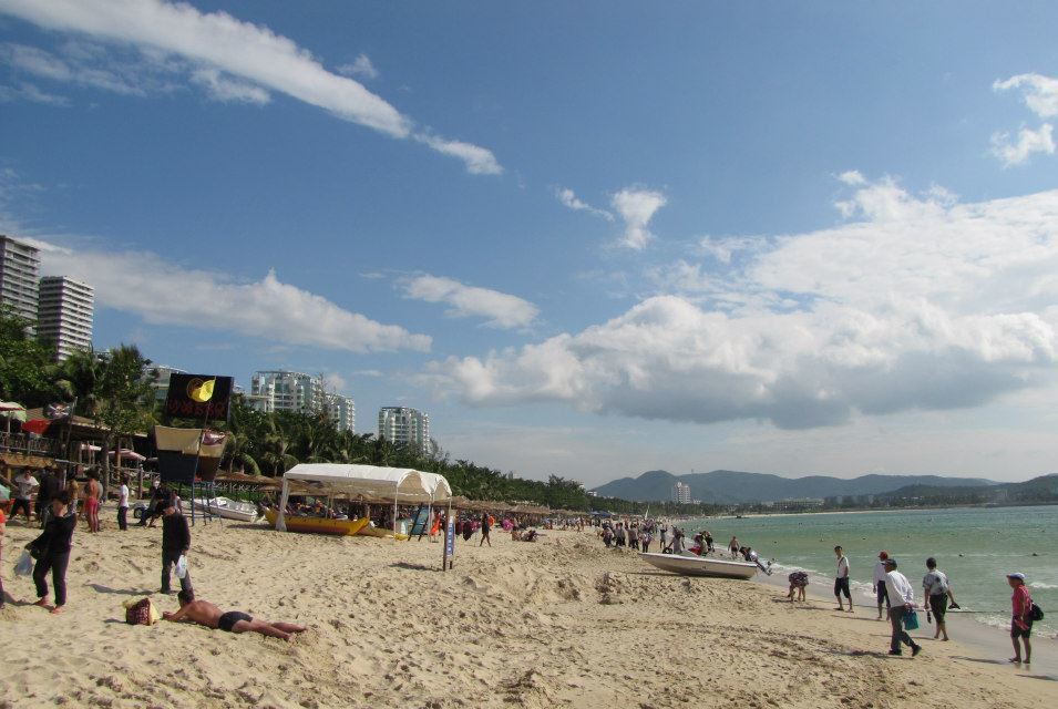 Christmas in Hainan, China. Photo credit: Aussie on the Road