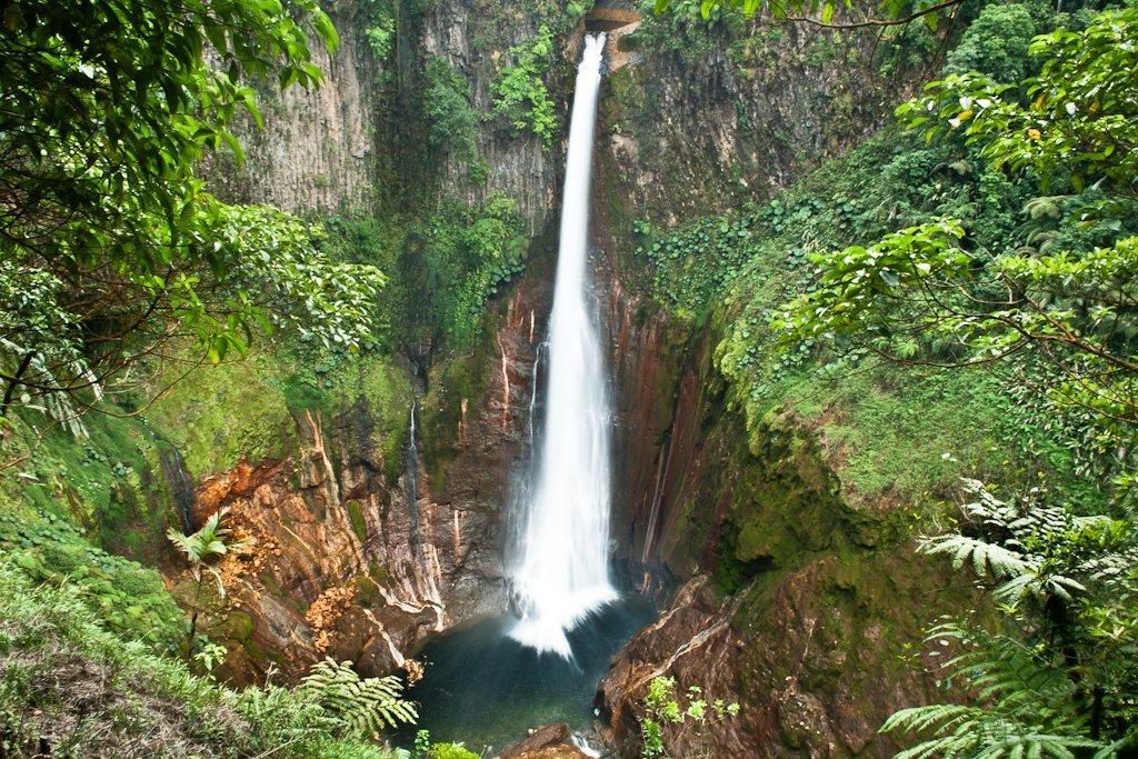 Best Costa Rica Waterfalls - Bajos del Toro