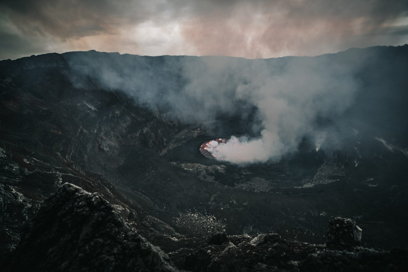 Hiking along the Nyiragongo Volcanos