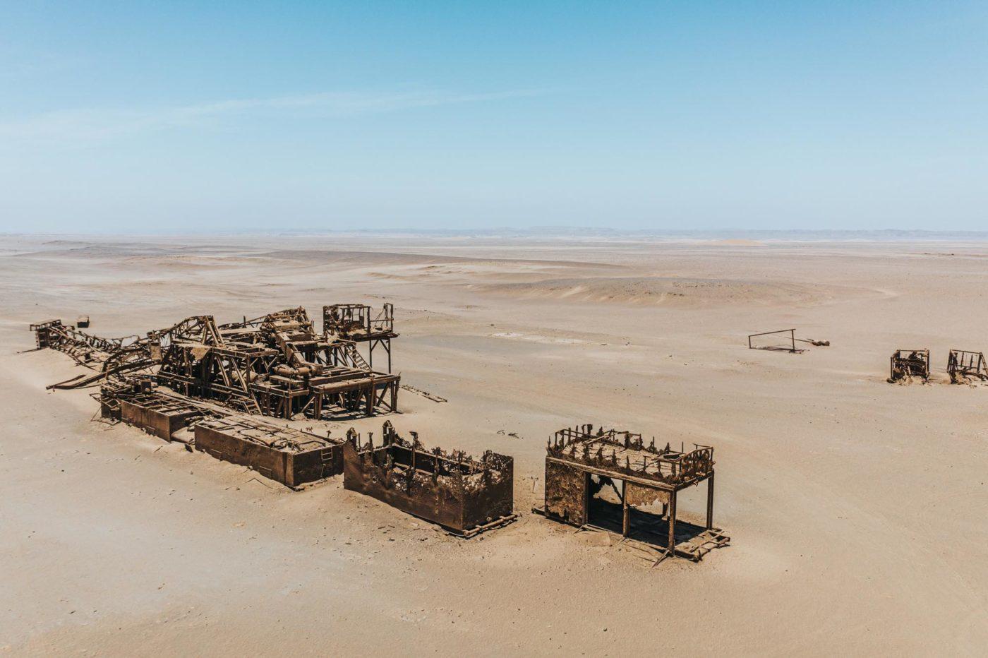 Collapsed oil rig, Skeleton Coast