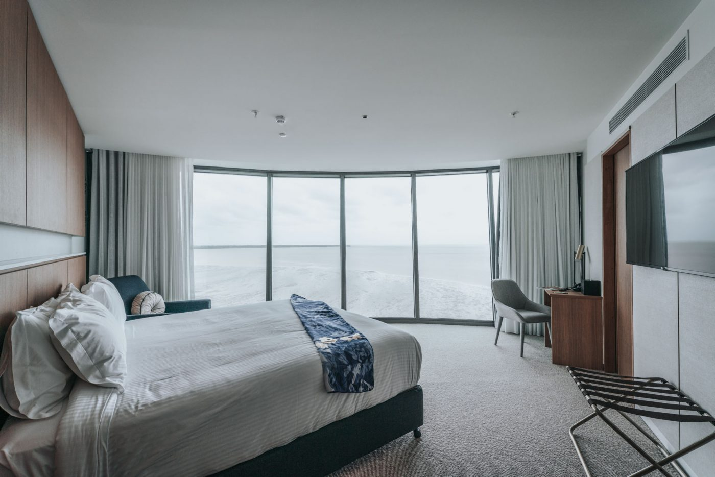 Panoramic Sea View room at riley hotel cairns