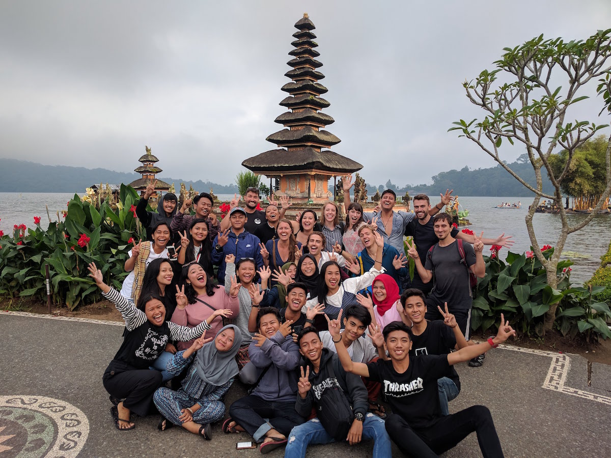 Learn to Code Online: Group photo in Bali
