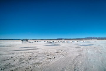 Salt flat, Volcanoes, Desert and more - Exploring Southern Bolivia on a Salar de Uyuni Tour