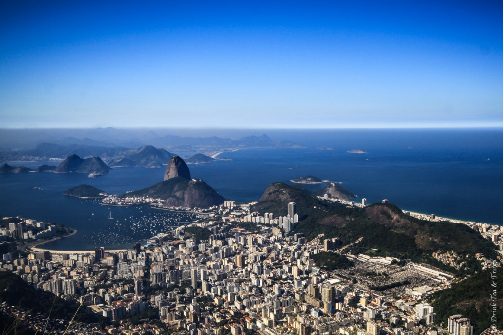 hike christ the redeemer: Unobstructed view from the top of Corcovado Mountain