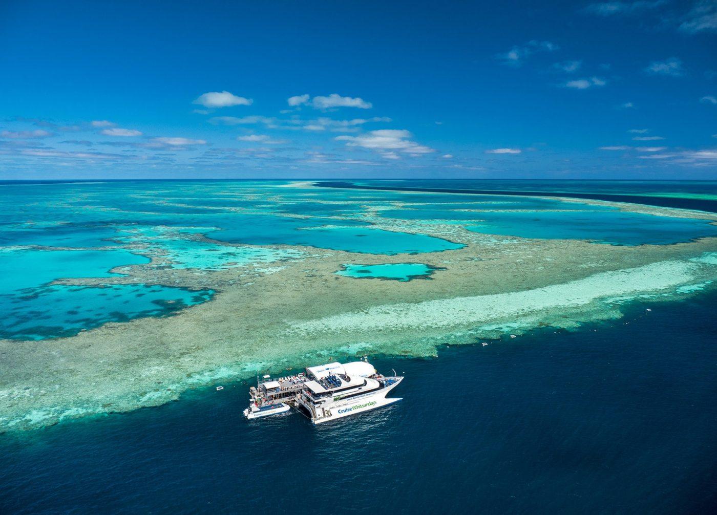 Heart Pontoon at Hardy Reef. Photo courtesy of Cruise Whitsundays