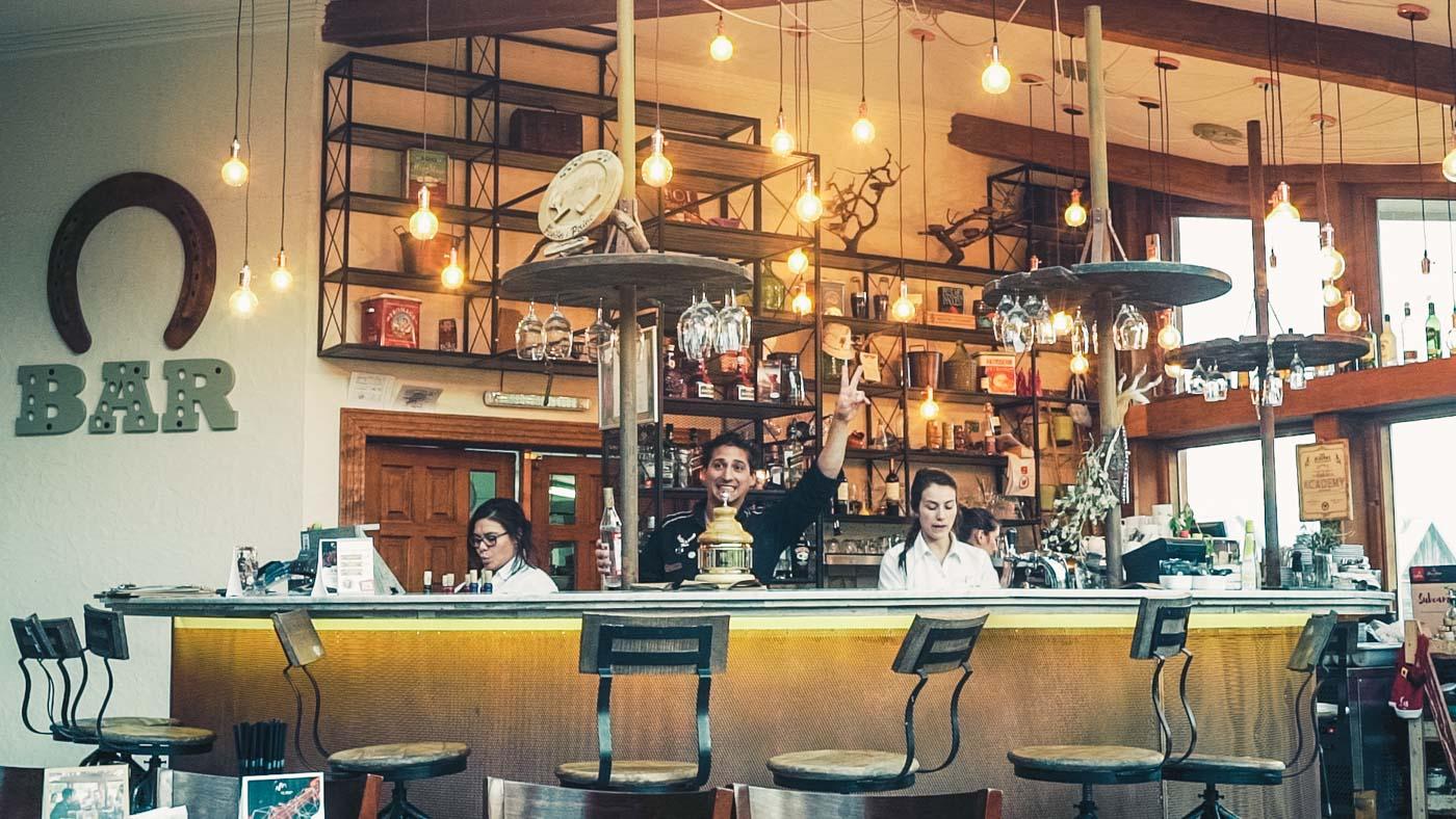 Friendly smiles at Bar Pionero, Las Torres Hotel