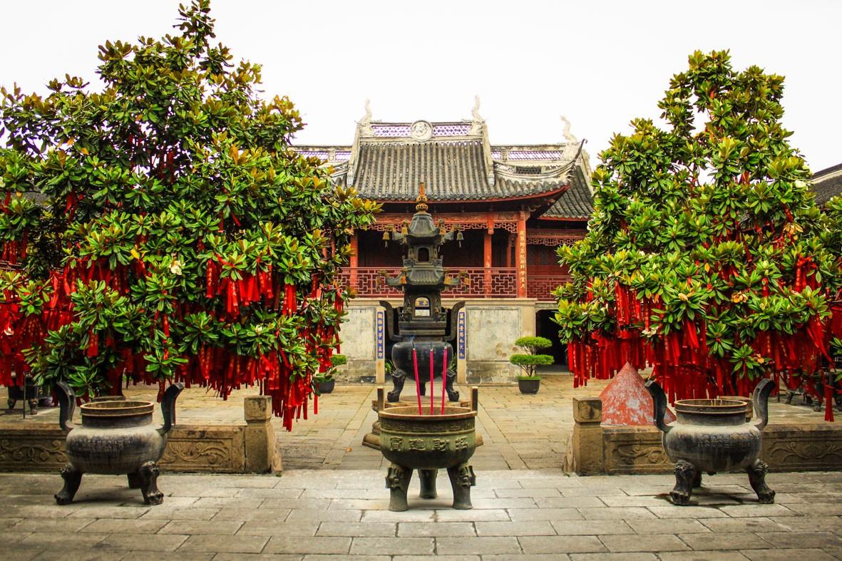 Red Ribbons on wishing tree in Zhujiajiao, China