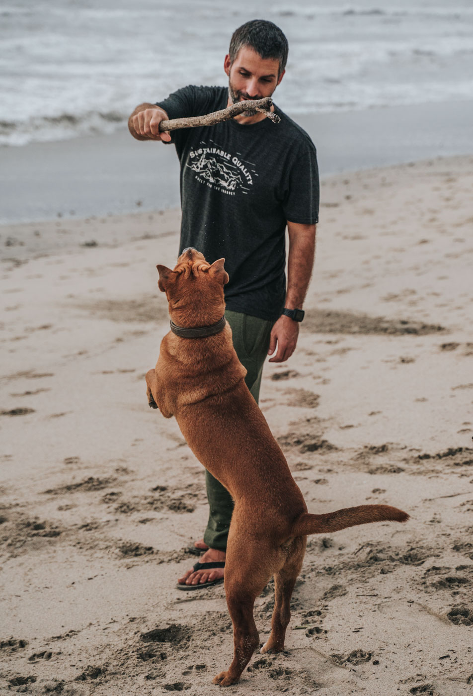 Max wearing Prana, as a clothing company great for an eco friendly guide