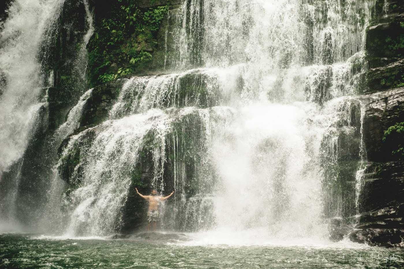 Max enjoying the chilly morning waters at the Nauyaca Falls
