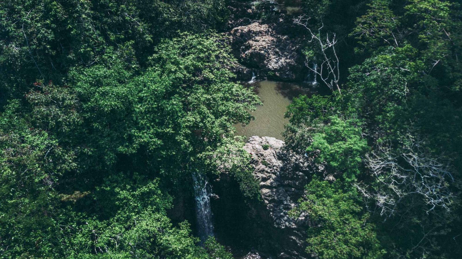 things to do in santa teresa costa rica: Can you spot the falls?