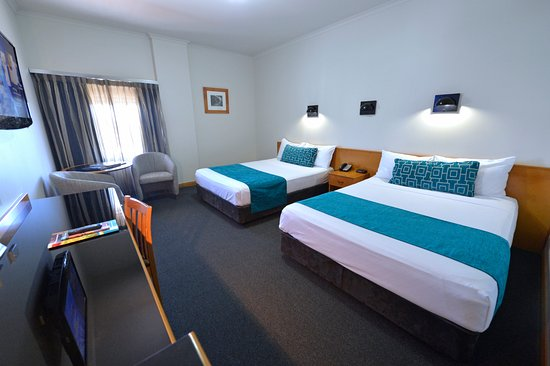 What to do in Darwin: Darwin Central Hotel