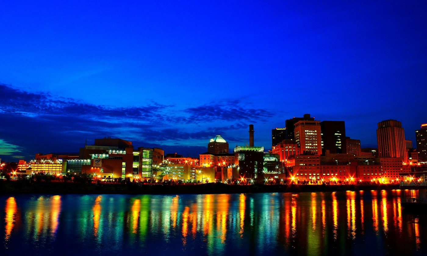 things to do in St. Paul, Downtown Saint Paul Riverfront by Tony Webster. https://www.flickr.com/photos/diversey/695165531