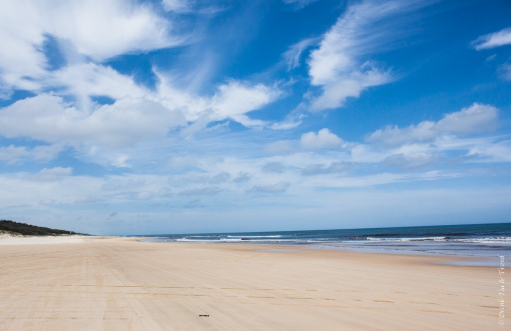 Fraser Island Tour: 75 Mile Beach