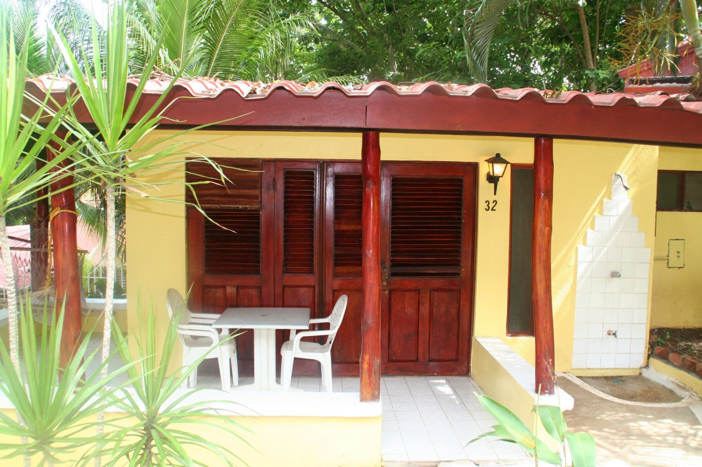 Hotels in Tamarindo Costa Pura Vida Cabin https://www.flickr.com/photos/withaghost/1431064712/