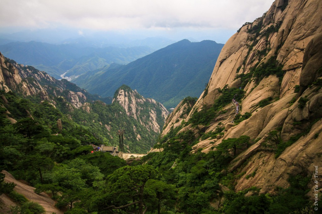 Beautiful places in China: Vast mountains in China