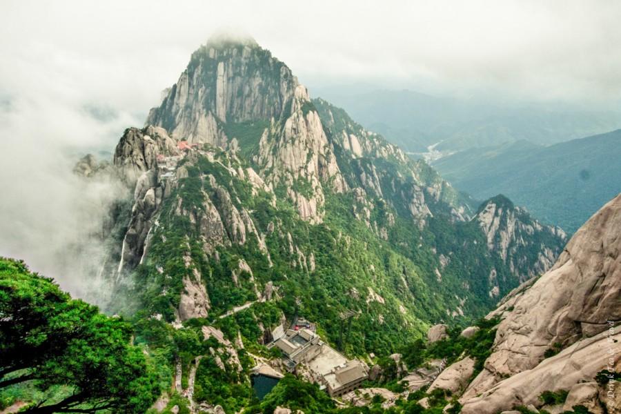 Photo Essay: Hiking in Huangshan, Yellow Mountain, China