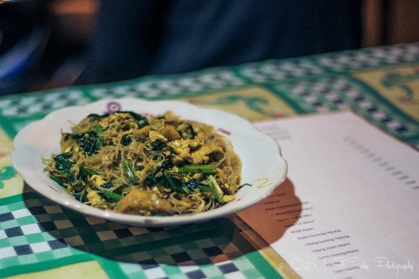 things to do in yogyakarta at night eat Mie Goreng at Warung Mie Jakarta