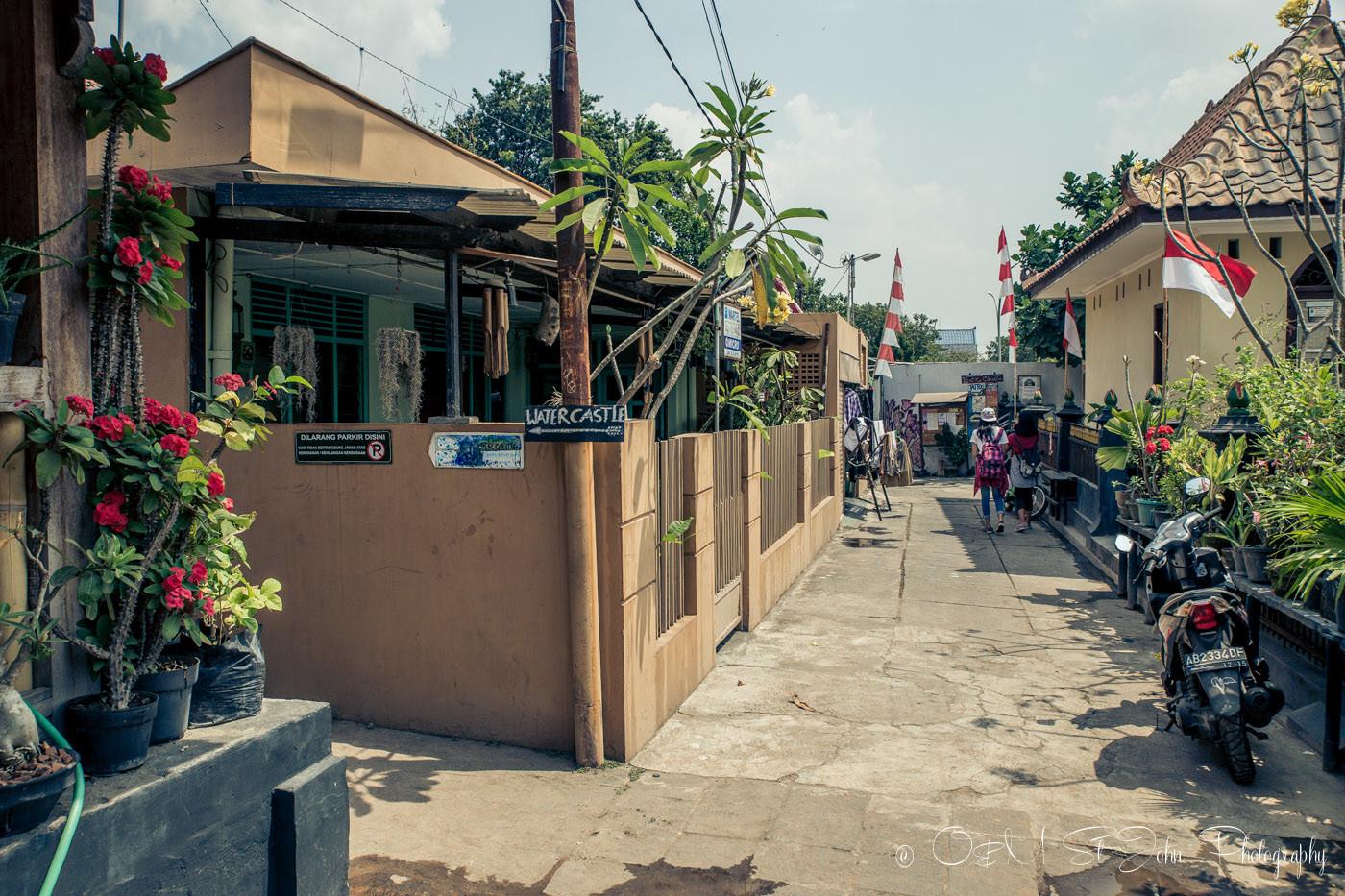 yogyakarta attractions: Small street near Taman Sari