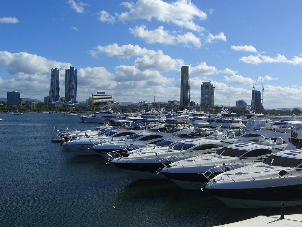 Best Beaches in Gold Coast, Main Beach