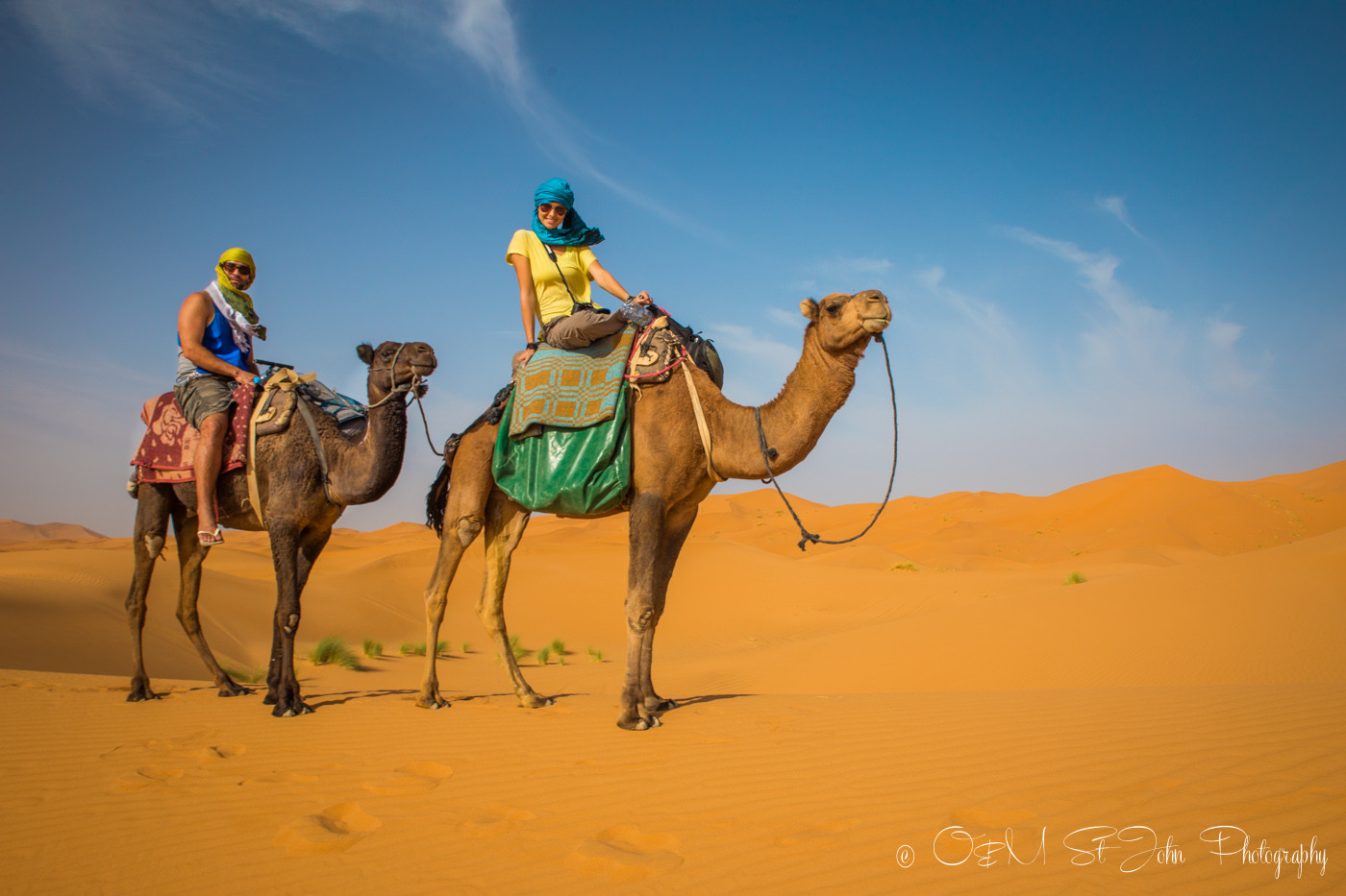 Max and Oksana in Erg Chebbi, Sahara Desert. Morocco, off the grid vacation