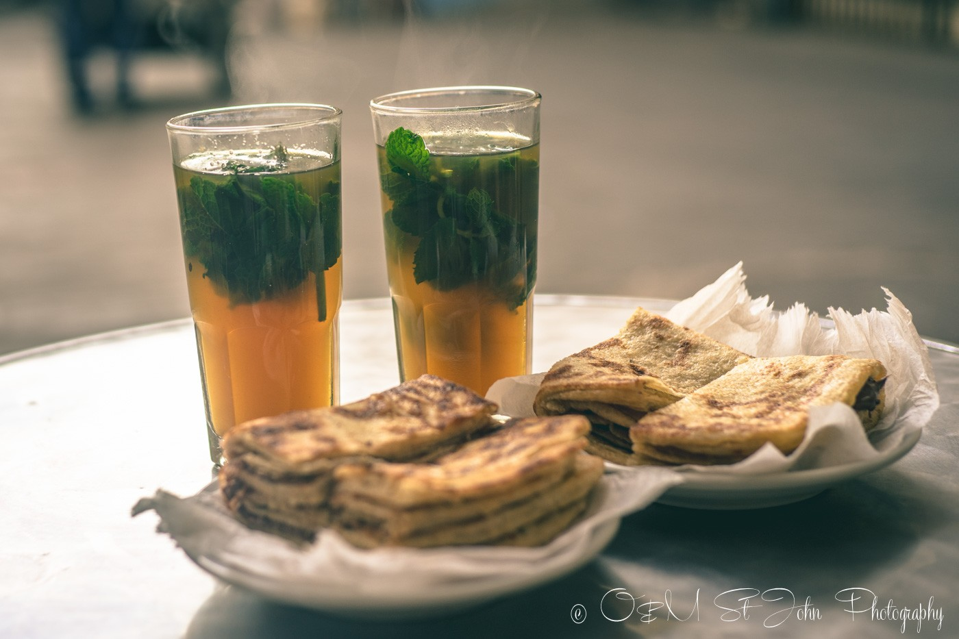 Moroccan food: Moroccan mint tea and pastry