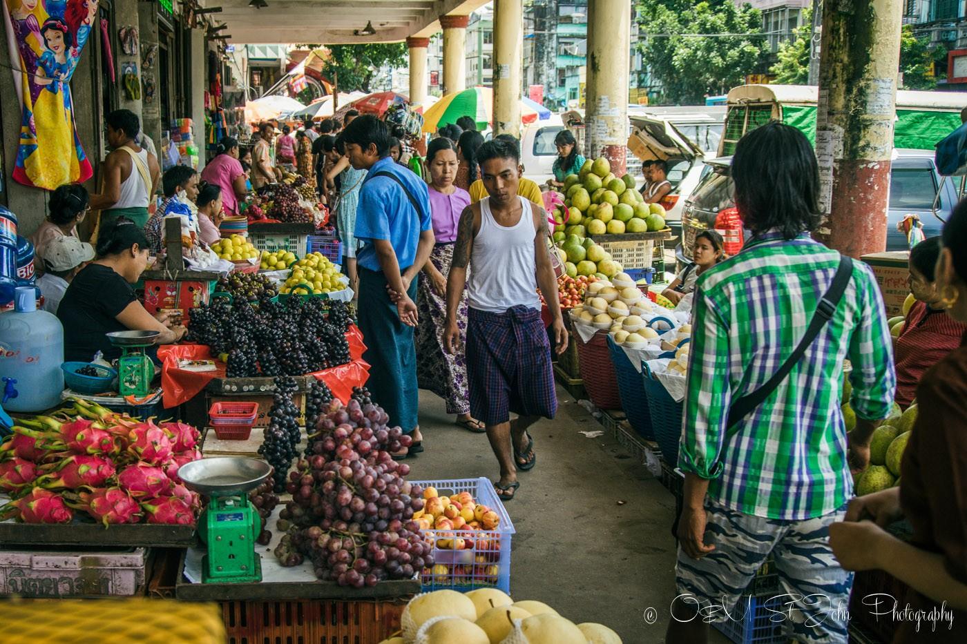 3 days in Yangon: Busy street market in Yangon. Myanmar