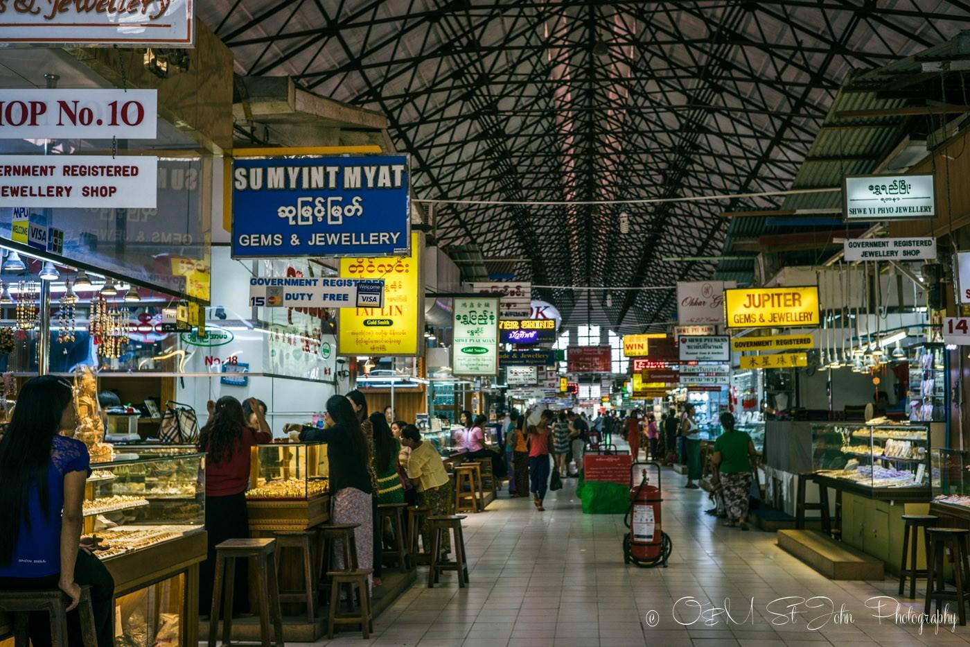 3 days in Yangon: Bogyoke Aung San Market. Yangon. Myanmar