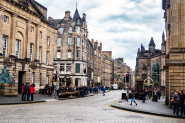 Where to Stay in Edinburgh: Guide to the Best Neighbourhoods and Hotels in Edinburgh, Scotland