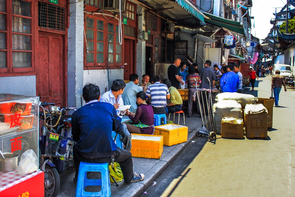 Exploring life in Shanghai's laneways