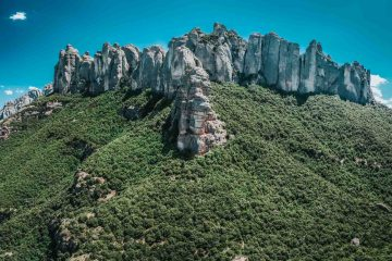 Guide to Visiting & Hiking Montserrat, Barcelona