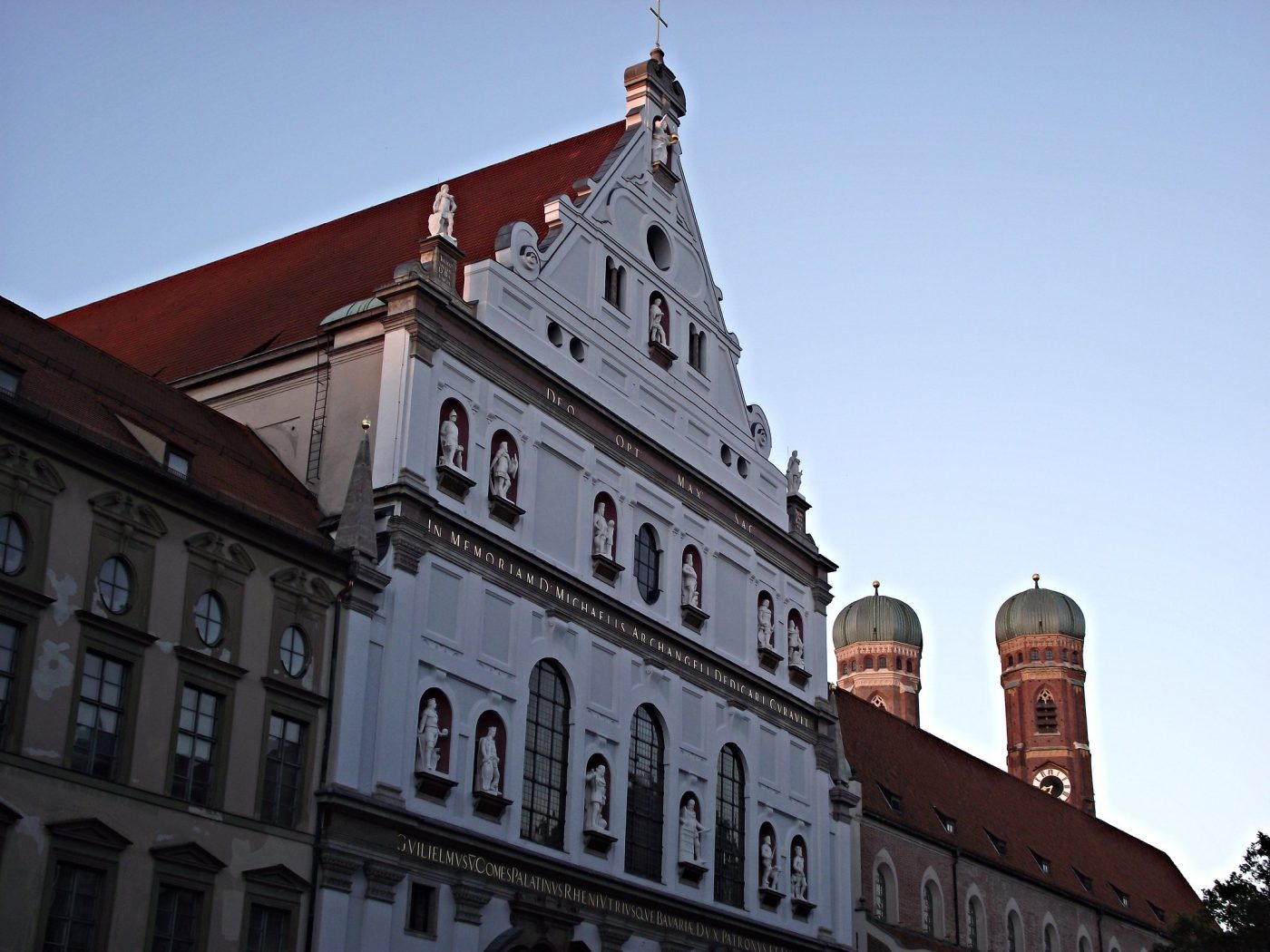 https://www.flickr.com/photos/129231073@N06/15801849811, where to stay in munich