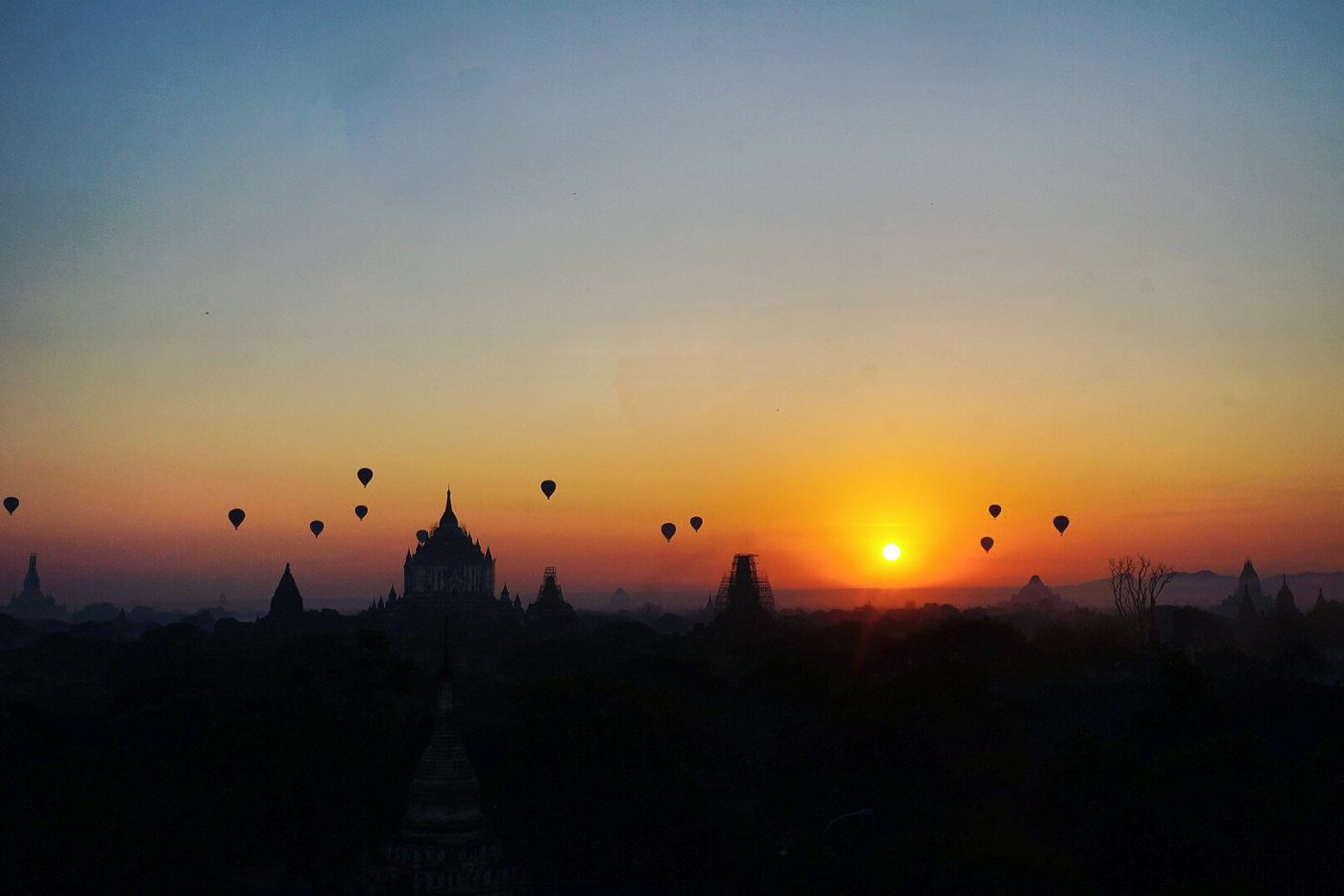 places to watch the sunset: Sunrise In Bagan
