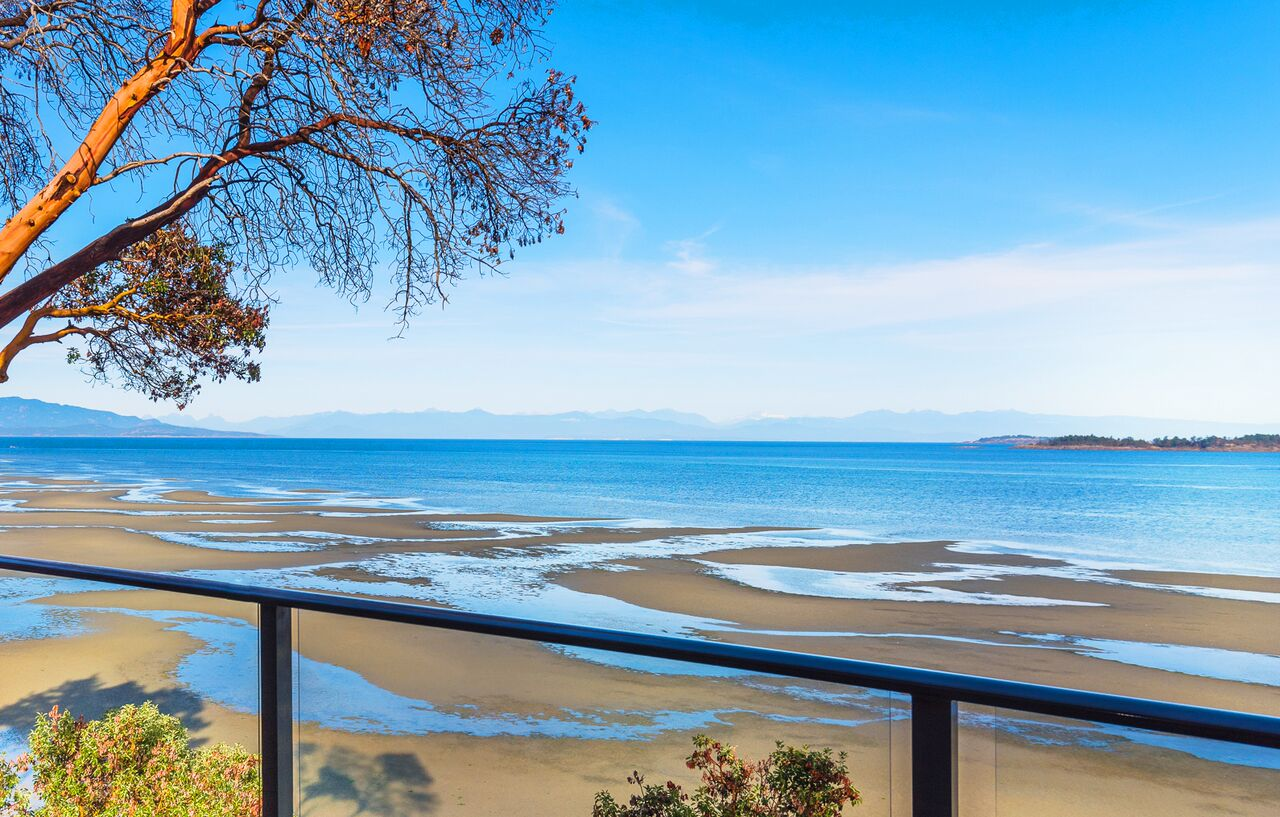 luxury resorts in british columbia: Ocean views