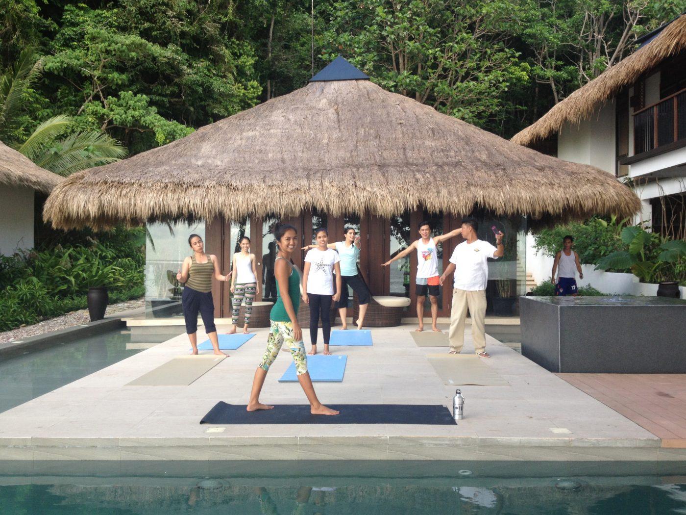 teaching-yoga-to-staff-at-el-nido