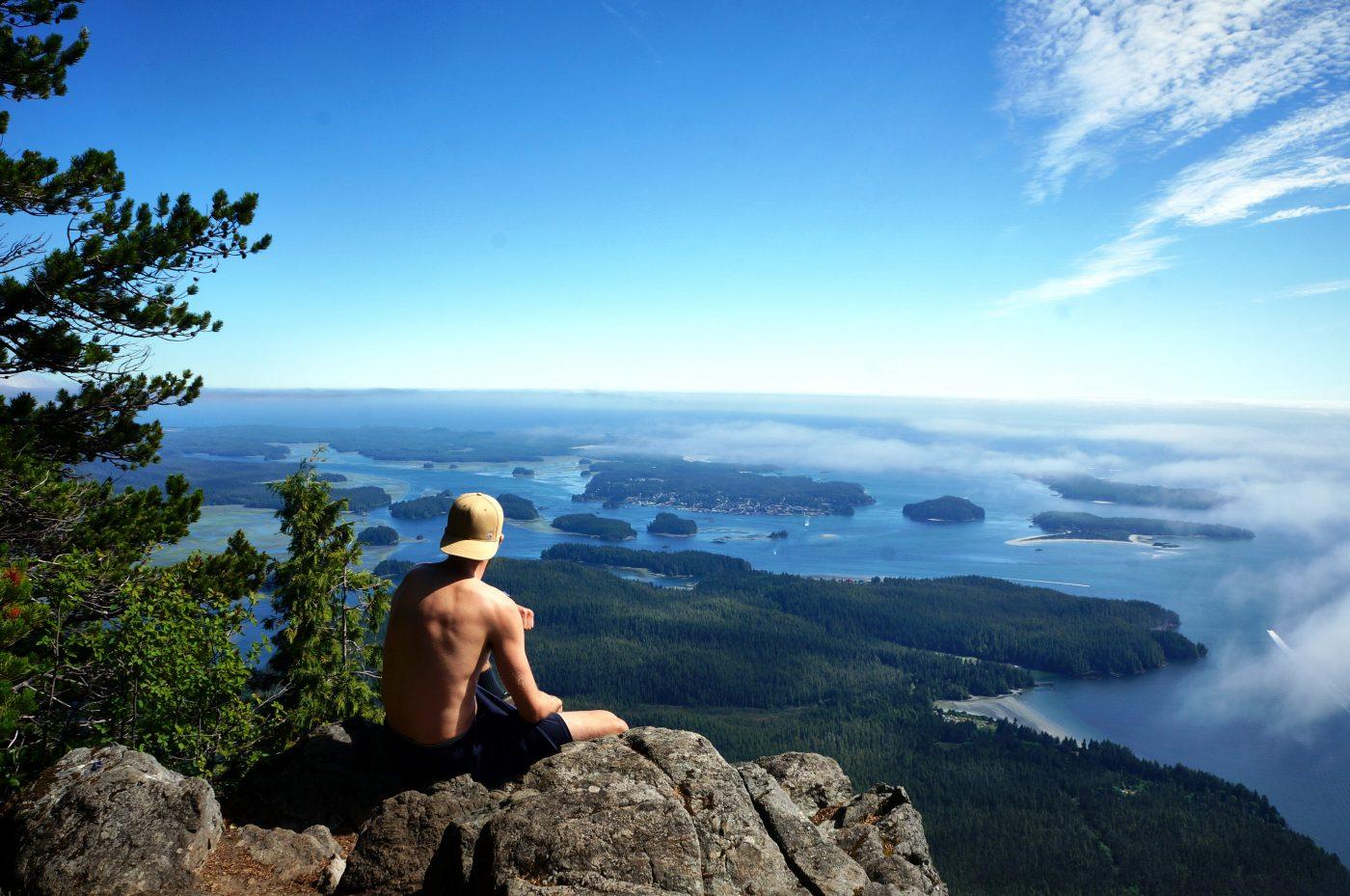 Romantic Getaway: Overlooking a cliff