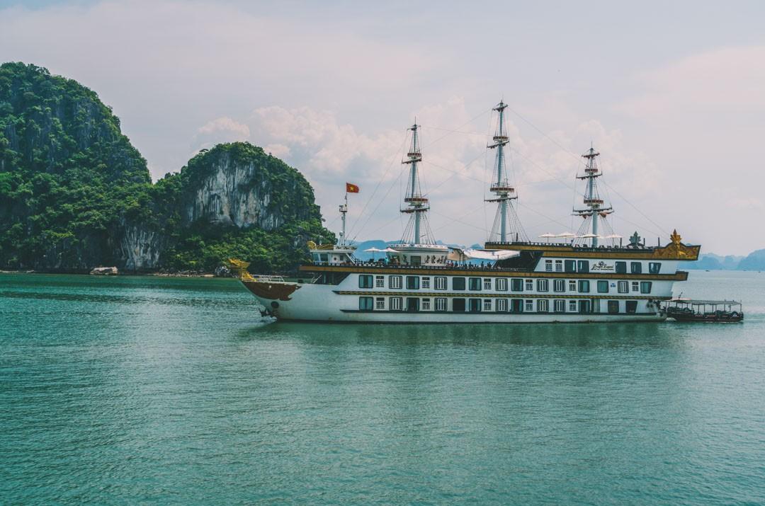 Dragon Legend, Indochina Junk Cruise
