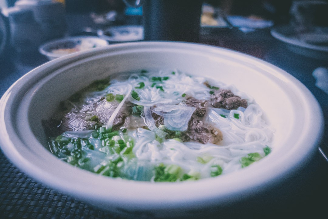 Halong Bay cruise: Pho for breakfast