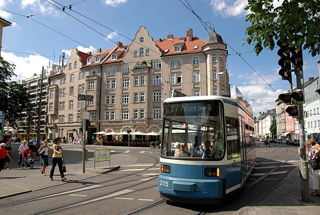 https://www.flickr.com/photos/14646075@N03/2625870220/, Schwabing, where to stay in munich
