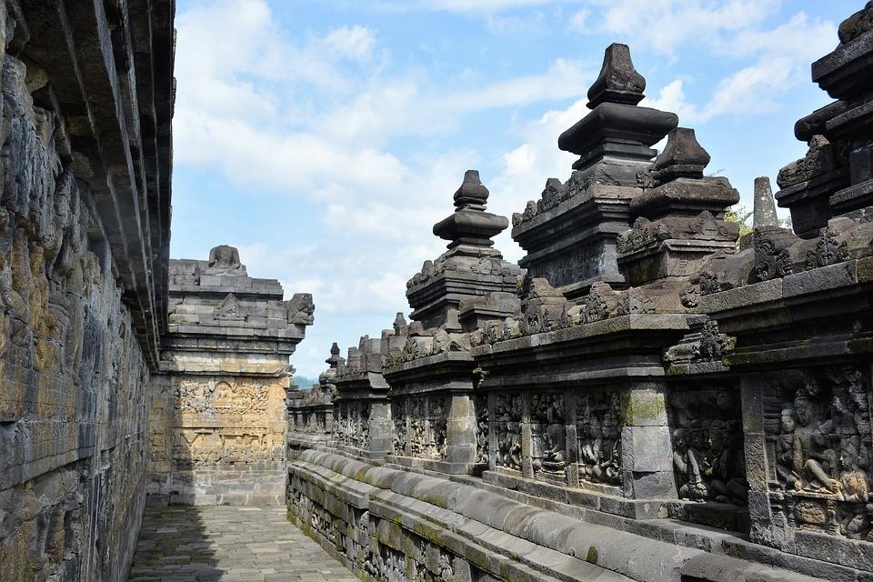 Borobudur Sunrise Tour: Borobudur during the afternoon