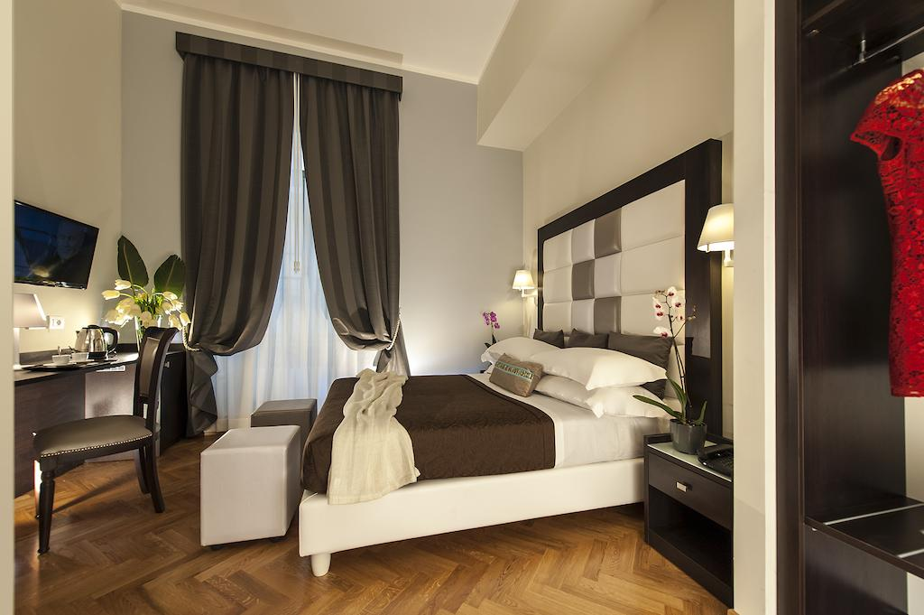 Europe Itinerary: Double room at DVE Suites. Photo by DVE Suite Rome.